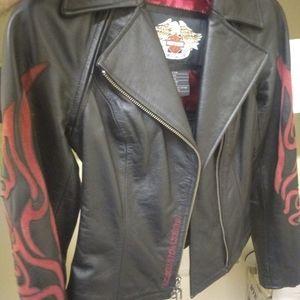 Women's Harley Davidson leather jacket Like New xs